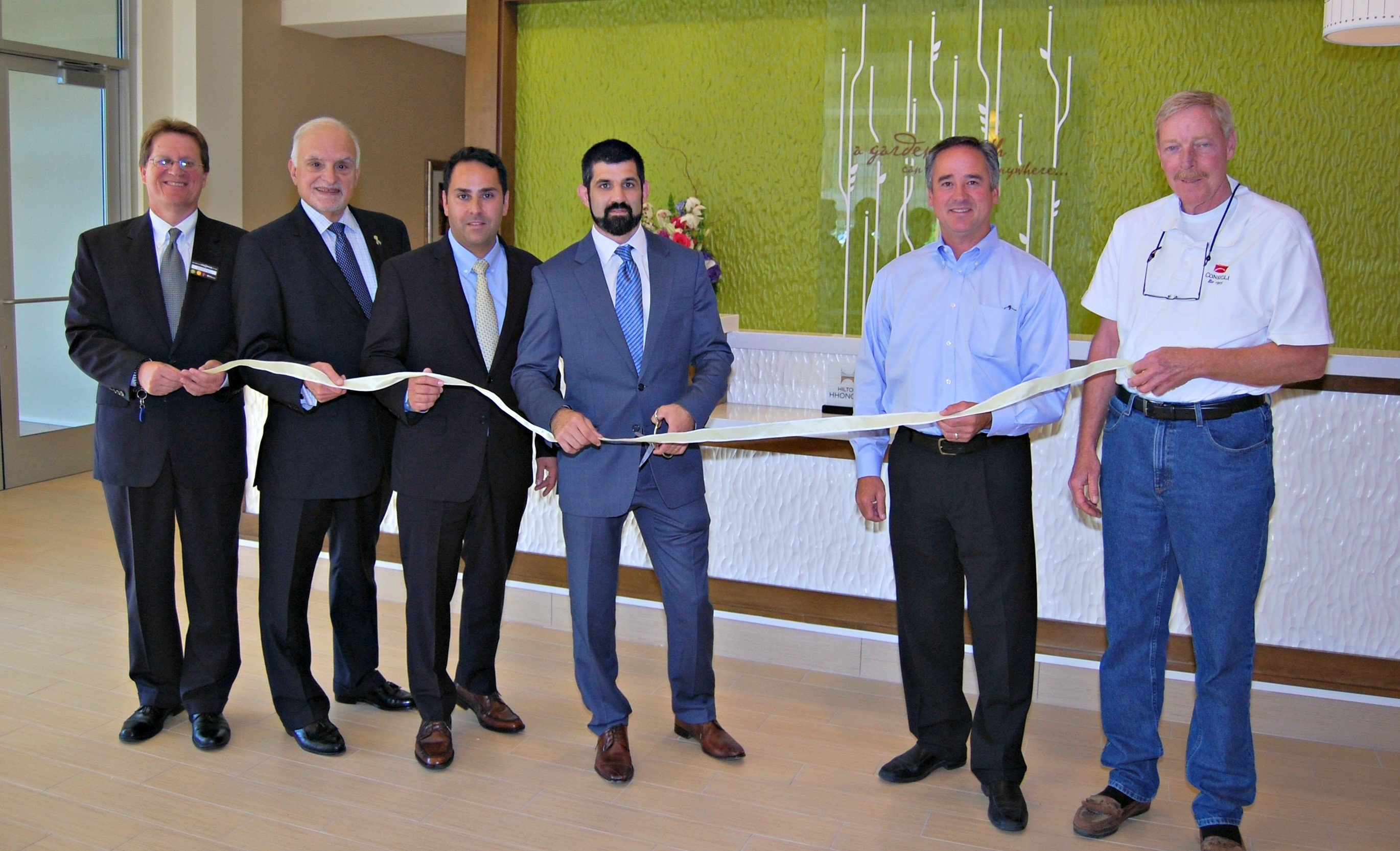 Ribbon-cutting Consigli Completes Construction of Hilton Garden Inn Boston Logan Airport